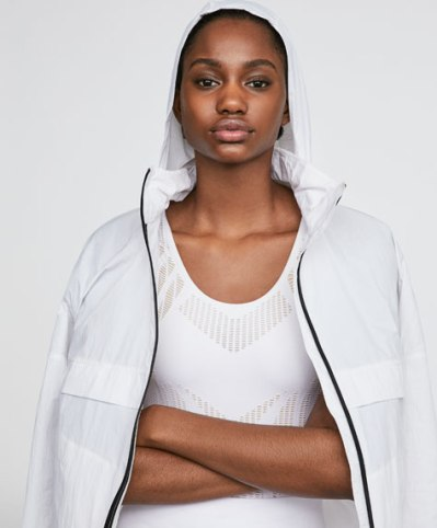 chaqueta blanca oysho